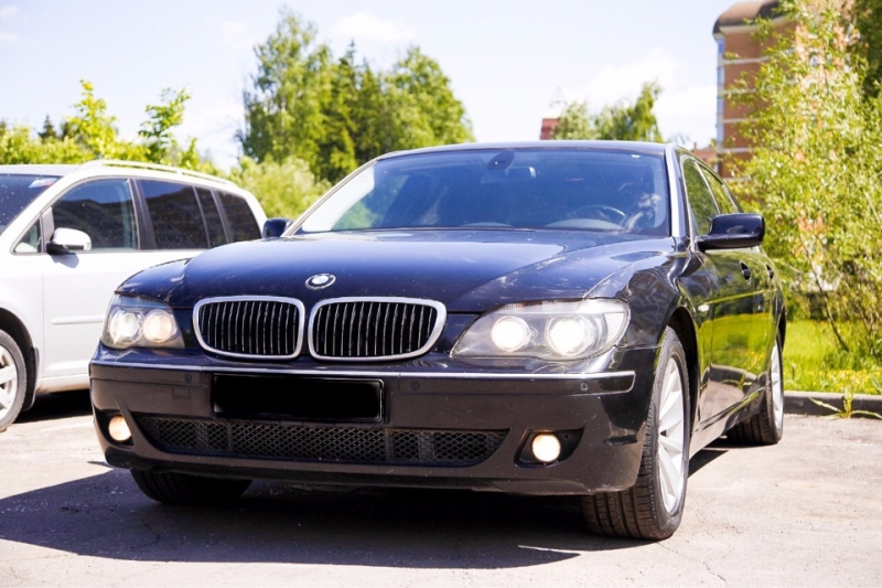 Продаю BMW 740 Li 2008 года выпуска