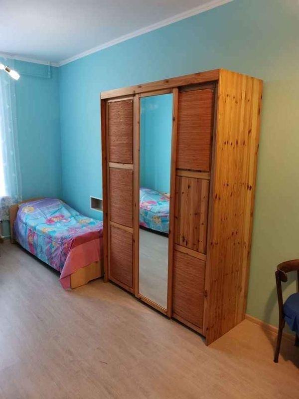 Срочно без торга сдается комната для граждан РФ и СНГ, славянской внешности, без