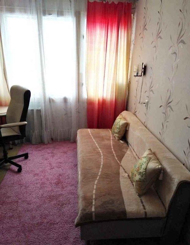 Сдатся чистая и уютная комната в спокойной части Кировского района.