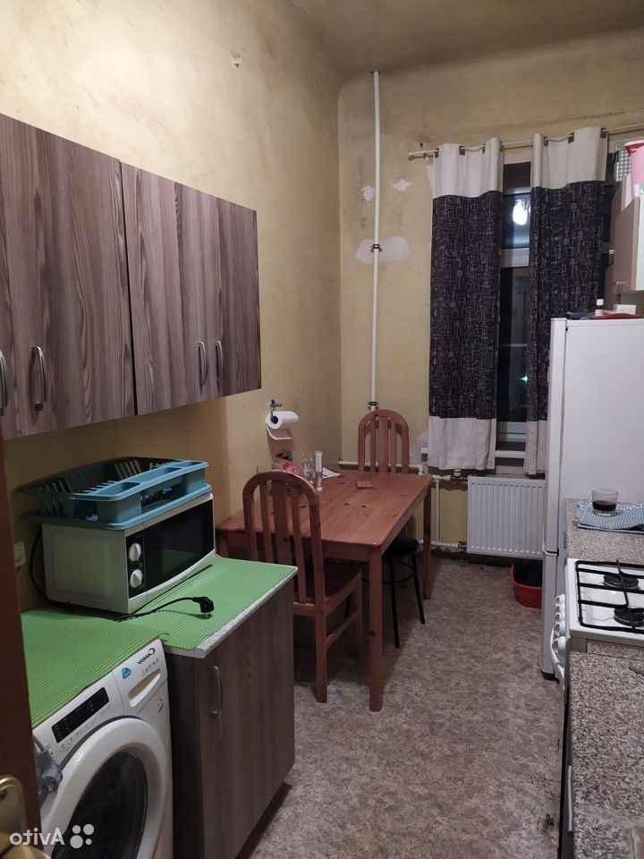 Сдается комната , чистая ,  на длительный срок в малонаселенной 3-х комнатной кв