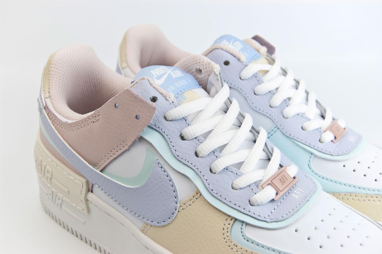 новые модные кроссовки
